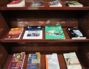 Buku-dalam-lemari-baca-1